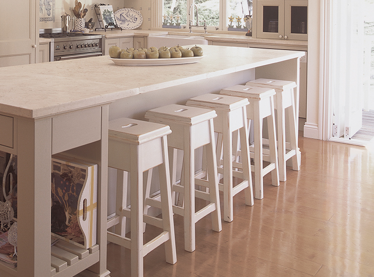 beautiful country kitche design Brisbane, island with seating