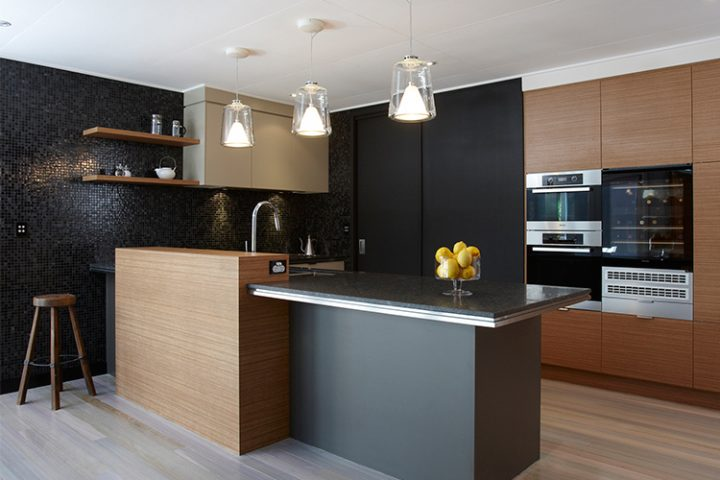 kitchen manufacturers Brisbane, dark kitchen, timber accents