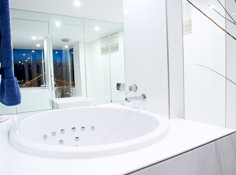 small bath tub, bathroom renovations Brisbane, New Farm