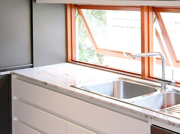 kitchens by design, window splashback, hopper windows, DbyD
